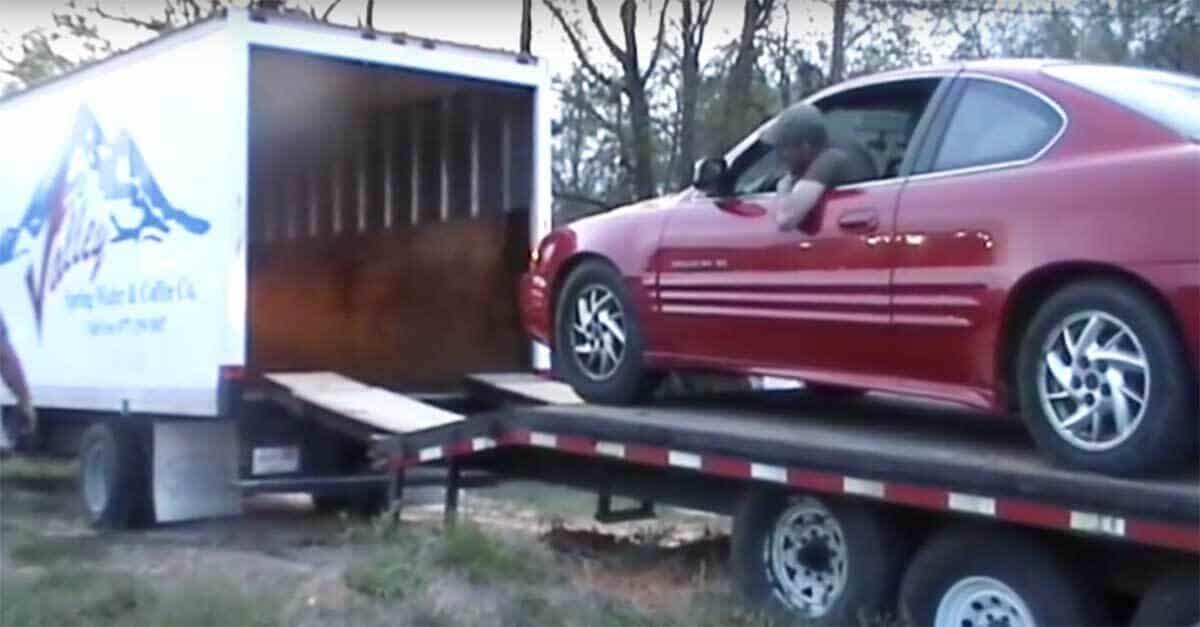 Pontiac Box Truck auto shipping, auto transport companies