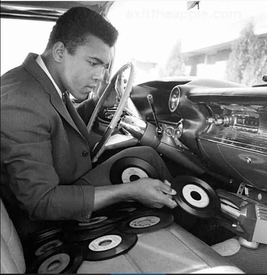 Ali Car Record player