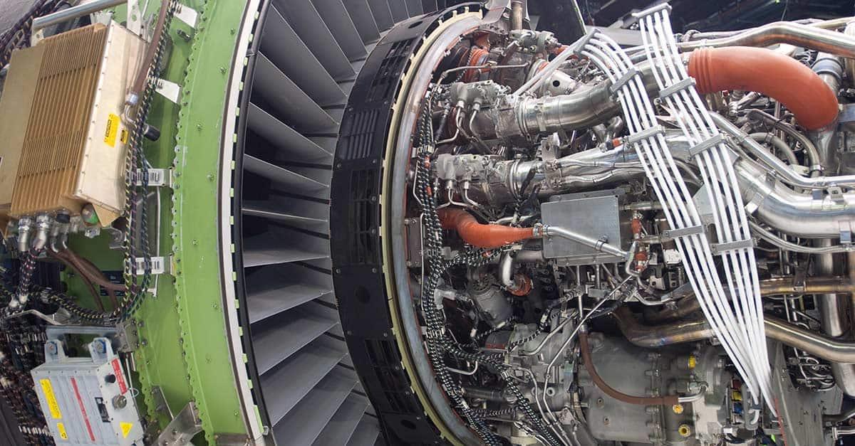 (20)GEnx-Jet-Engine_Le_Bourget_