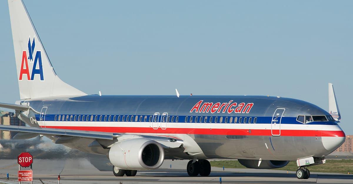 (31)American_Airlines_Boeing_737