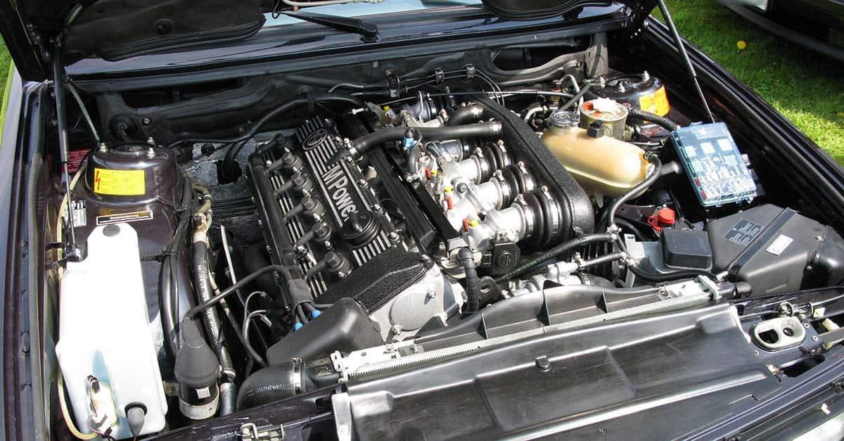 (5)BMW_M5_E28_engine