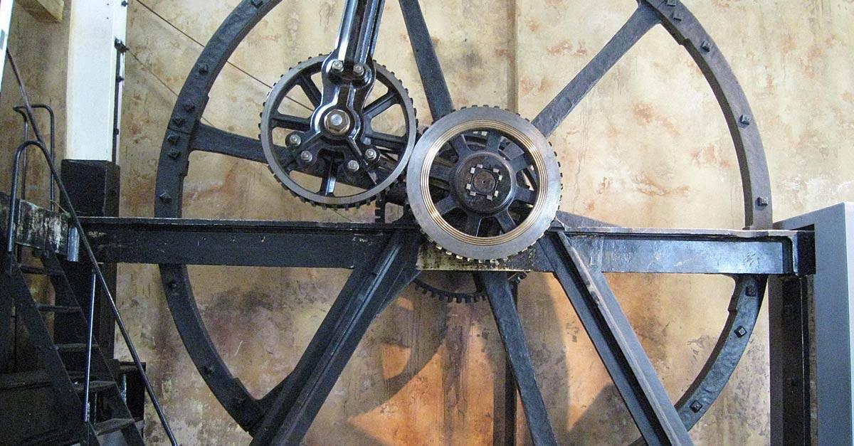Flywheel_of_the_Boulton-Watt_steam_engine_
