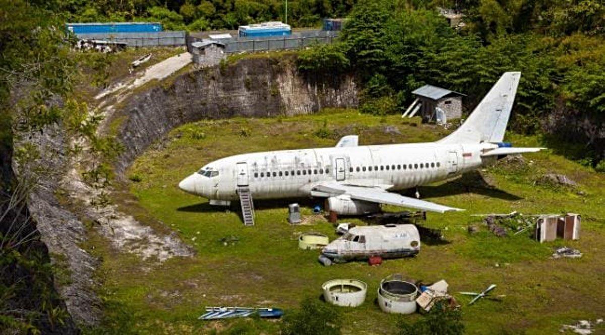 Passenger jet abandoned