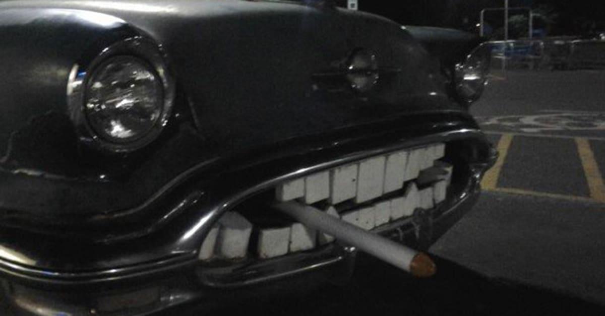 car_cigarrette_teeeth