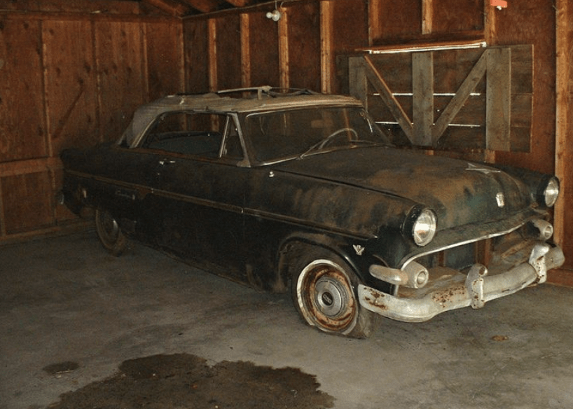 Ford Sunliner barn find