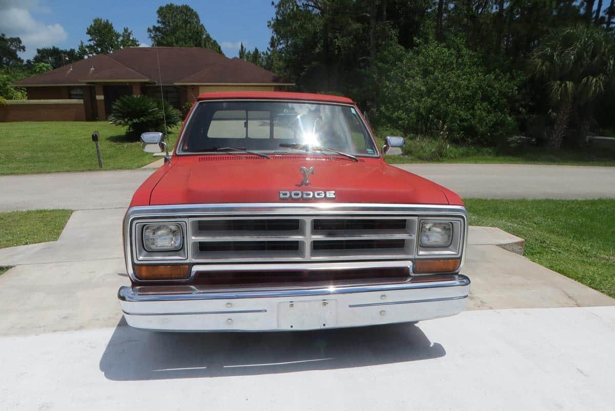1989 Dodge Ram(Car Gurus)