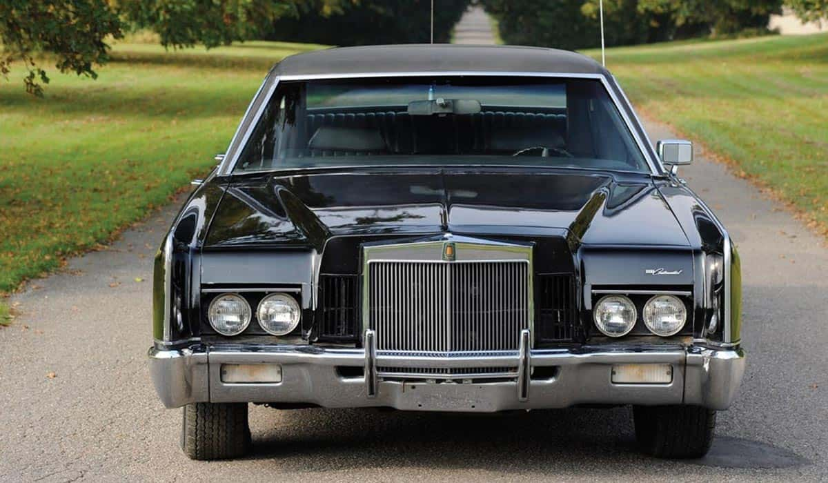 1972 LINCOLN TOWN CAR AMERICAN GANGSTER(msothebys.com)