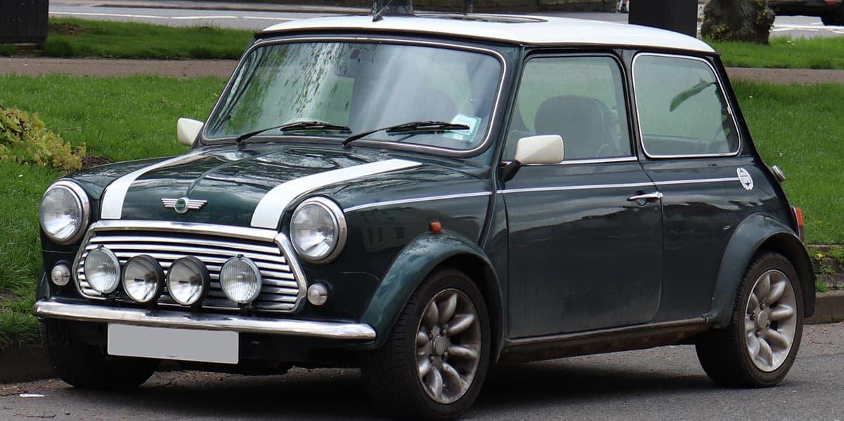 1999_Rover_Mini_Cooper_1.3_Front