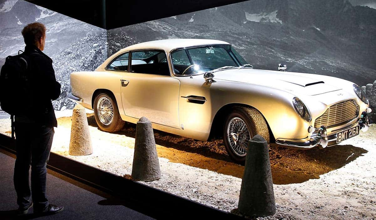 JAMES BOND'S ASTON MARTIN(CNBC)