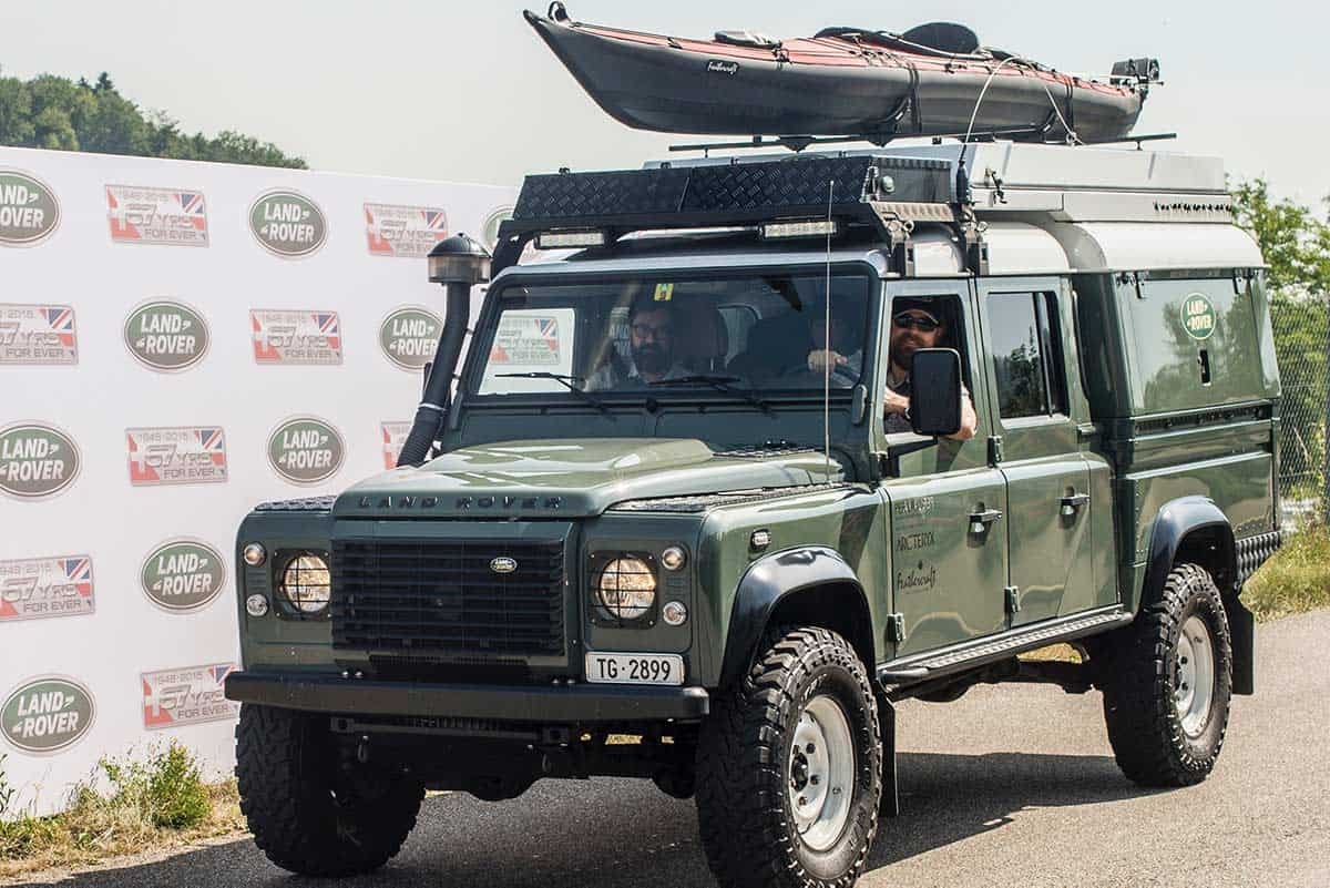 Land_Rover_Defender_