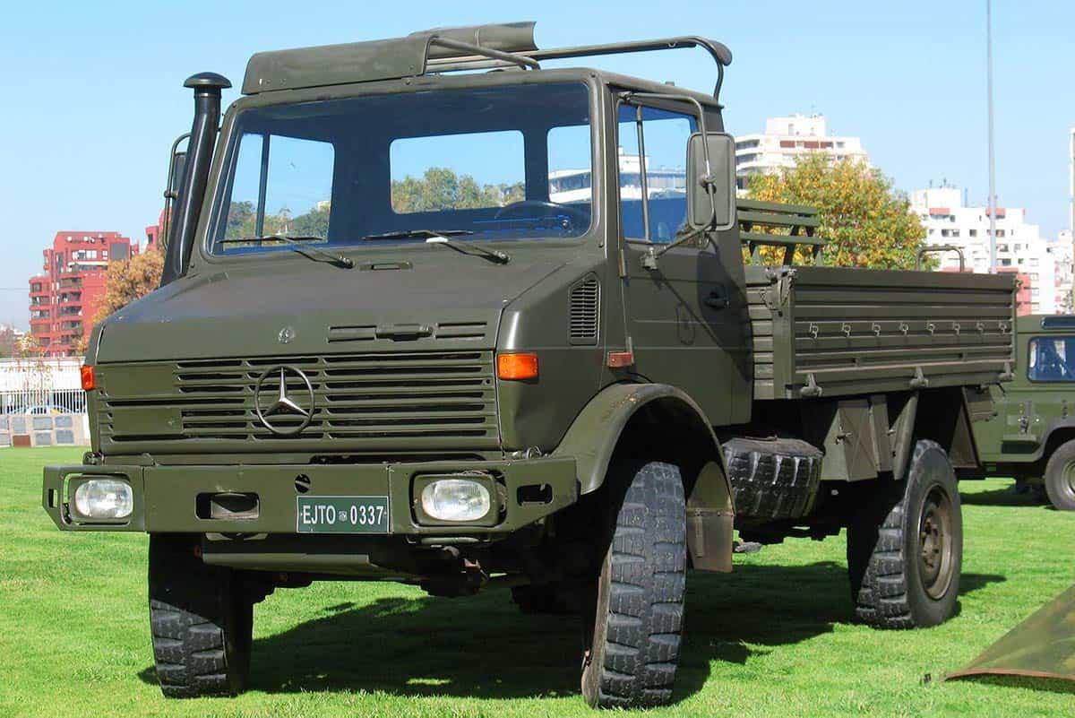 Mercedes_Benz_Unimog_1300_L