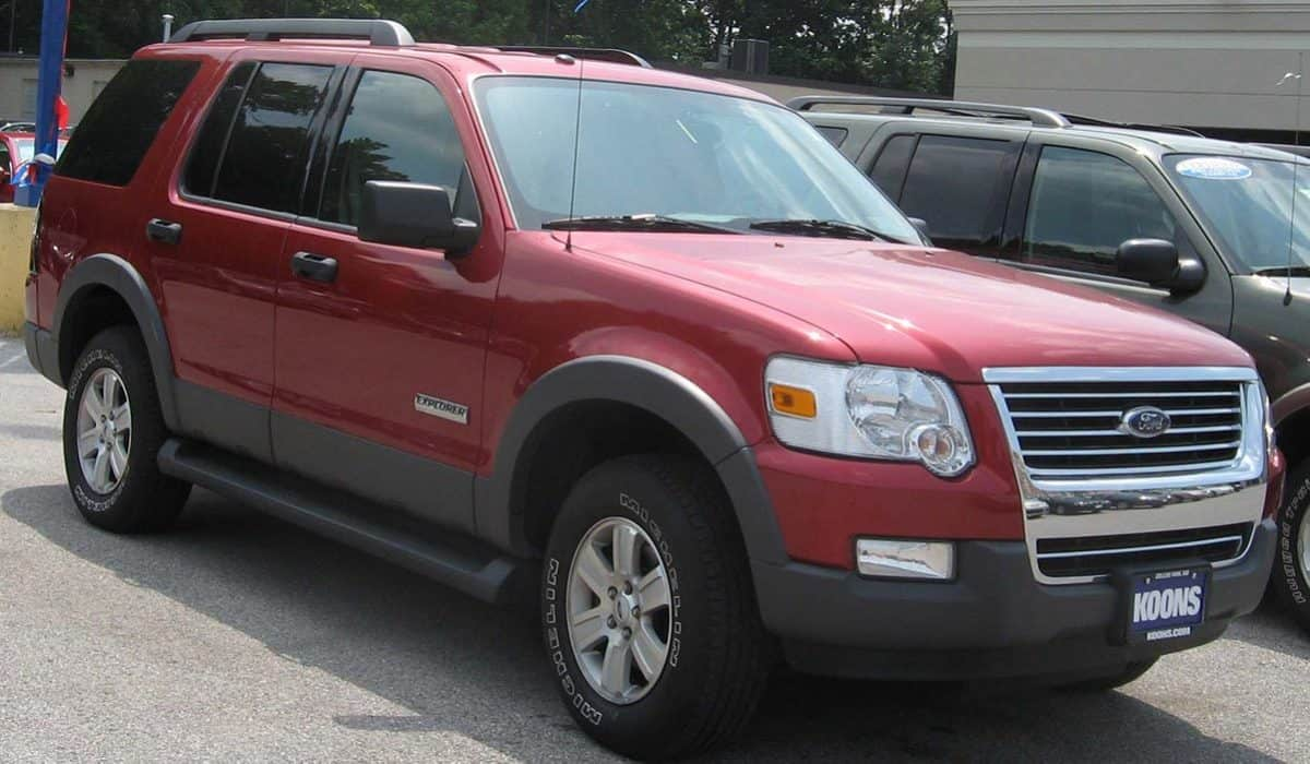 Wyoming_Ford_Explorer