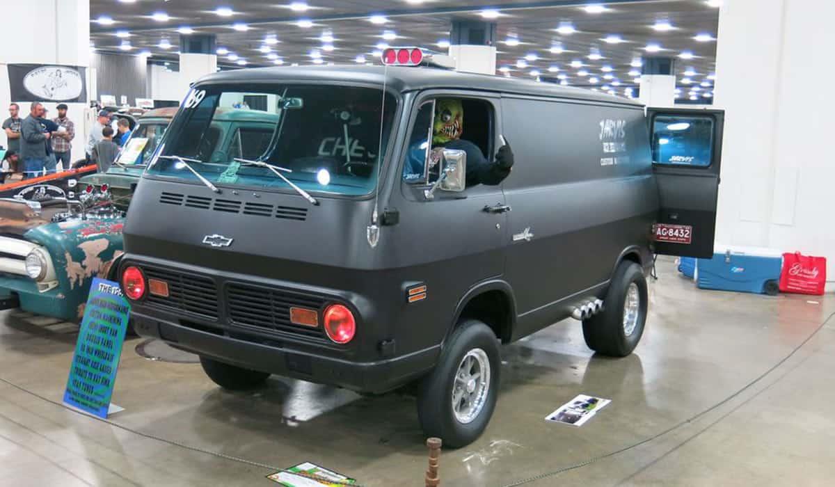 1969 Chevrolet Van(Rusty Blackwell)