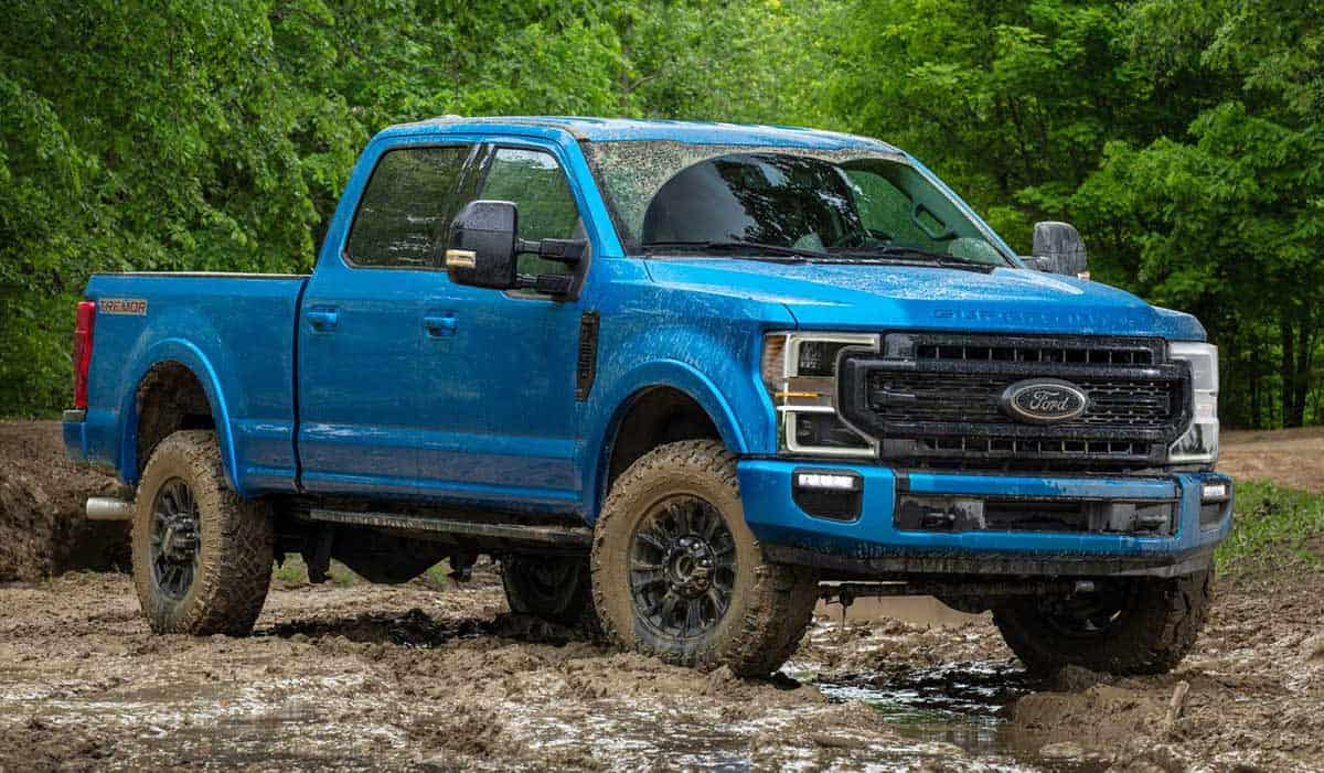 Ford Super Duty with FX4 Off-Road package(Motor 1)