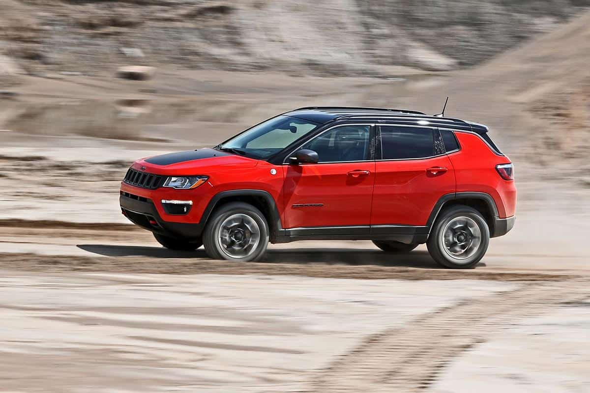 Jeep Compass Trailhawk(Car and Driver)