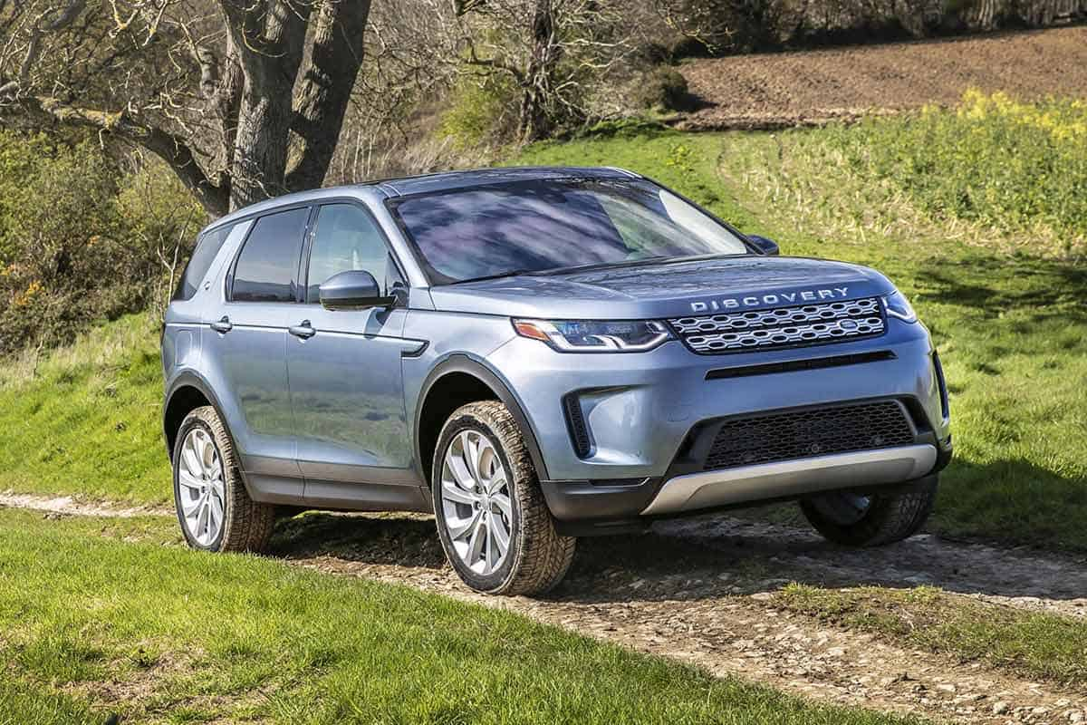 Land Rover Discovery Sport(Motor Authority)