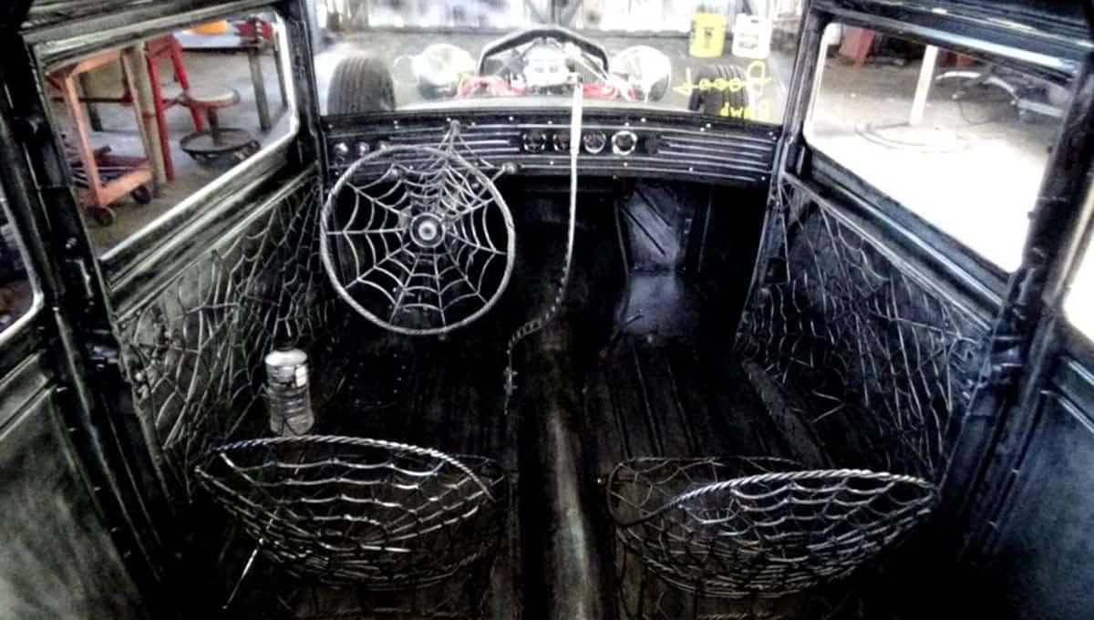 Spider Web Rod
