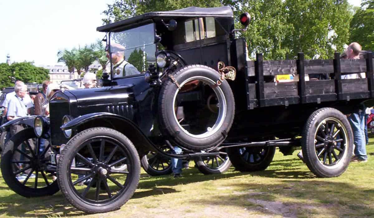 1919_Model_TT_Truck_2