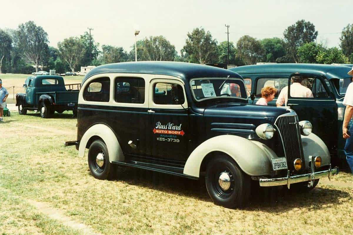 1937_Chevrolet_Carryall_Suburban