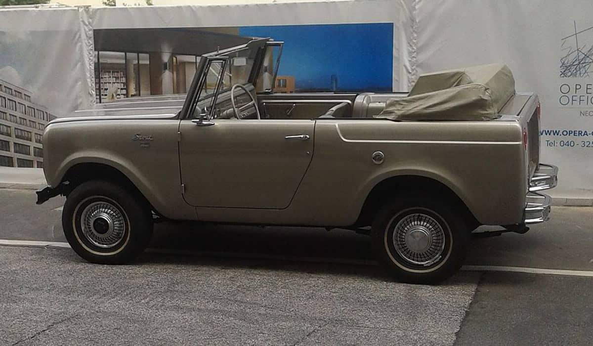 1966-IHC-Scout-800