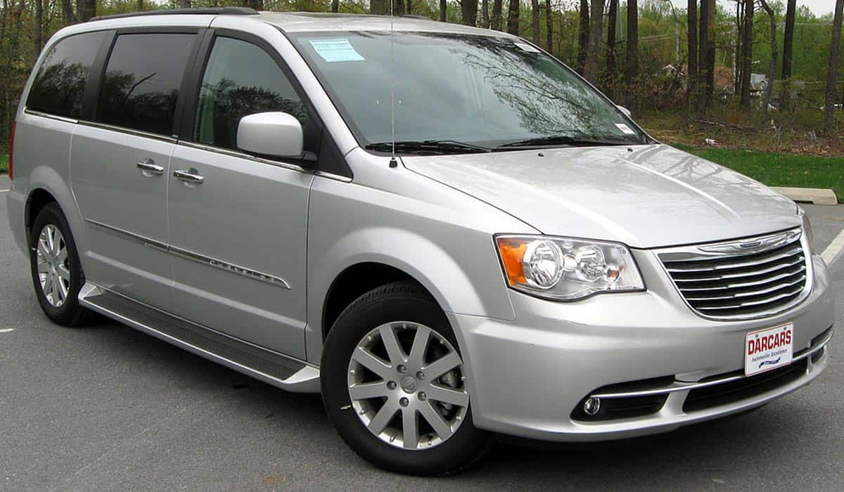 2011_Chrysler_Town_&_Country_Touring