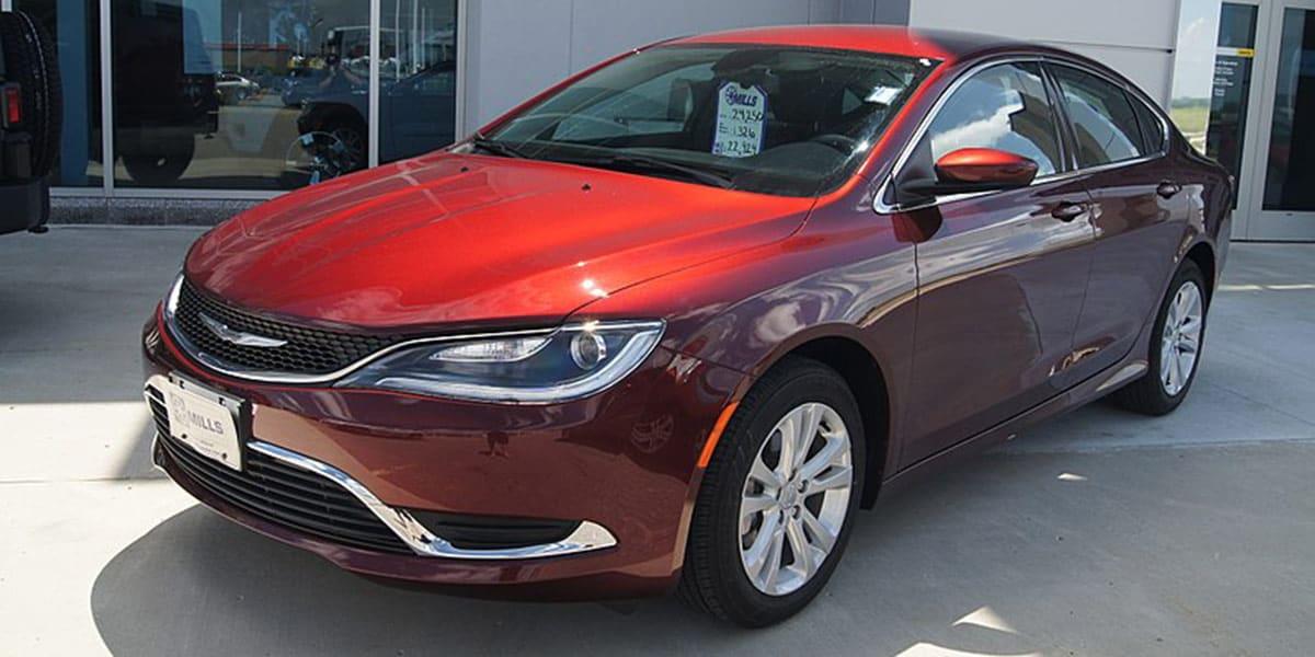 2015_Chrysler_200_Limited