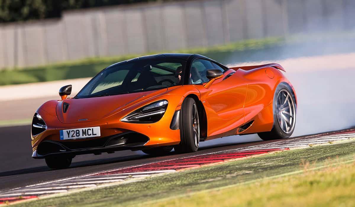 2017-McLaren-720S(Whichcar)