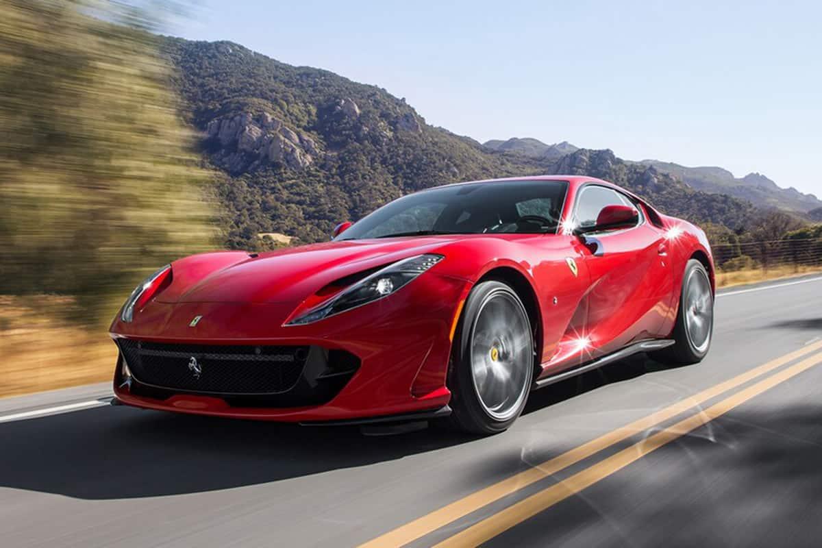 2018-Ferrari-812-Superfast(Motor Trend)