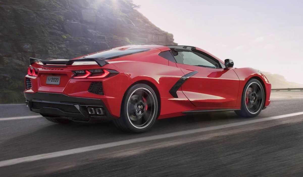 2020-chevrolet-corvette-stingray(Motor 1)