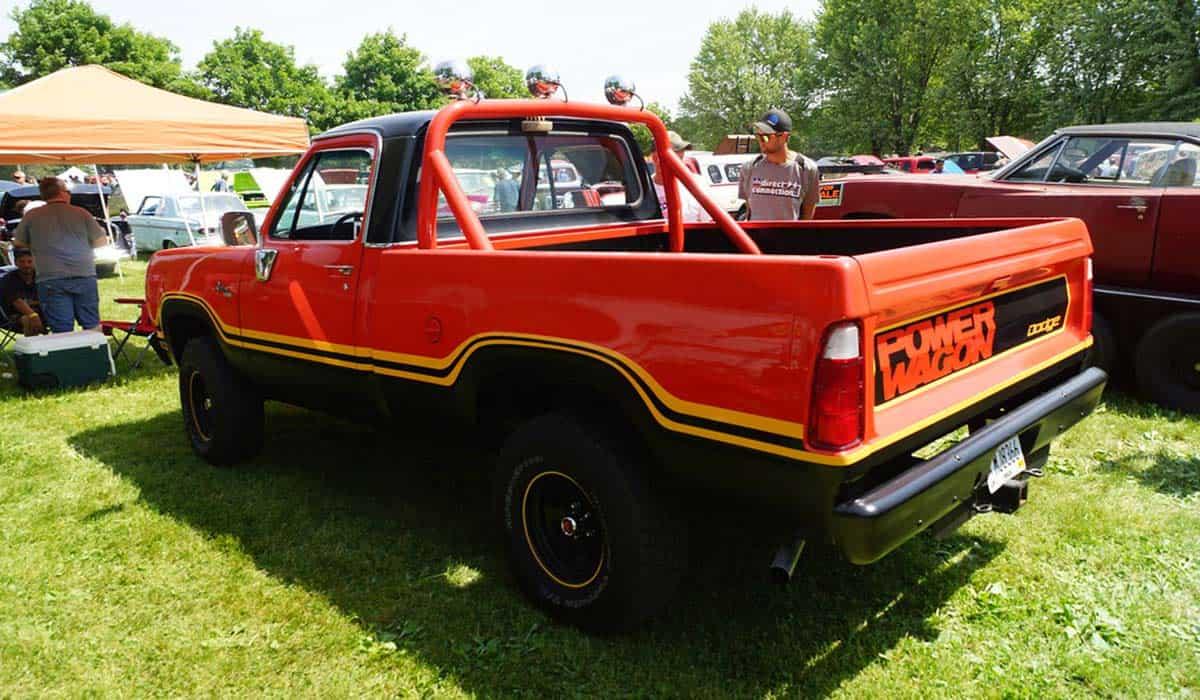 DodgeMachoPowerWagon1977flickr(