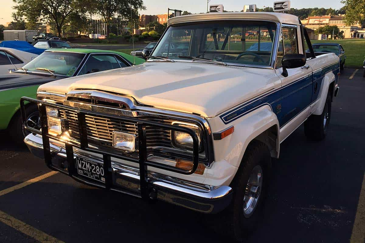 Jeep_J-10_with_Honcho_package79