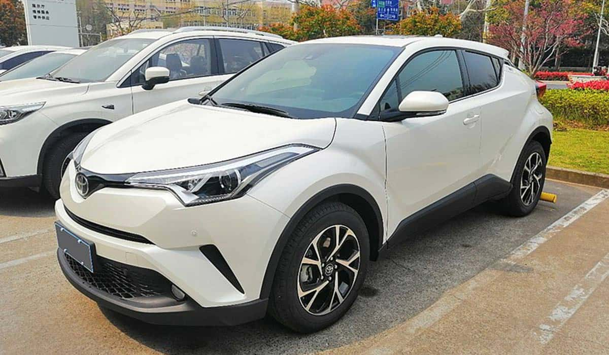 Toyota_C-HR_01