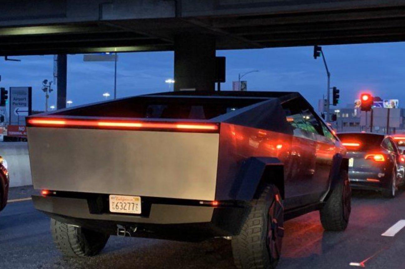 Tesla Cybertruck in LA