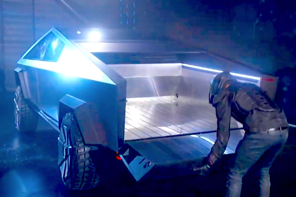 Tesla Cybertruck storage space