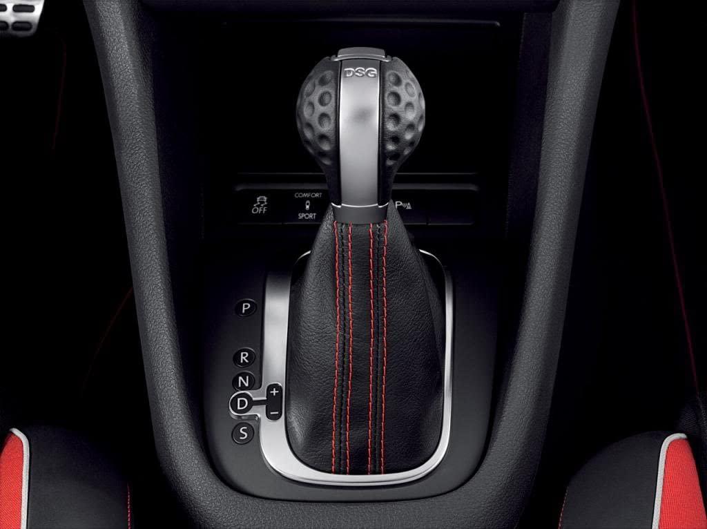 The gear shift knob in a VW golf